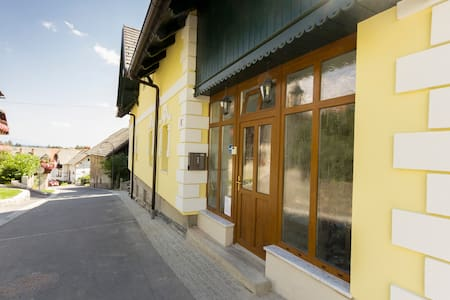 Yellow Apartment - former hayloft - Bled - Appartamento