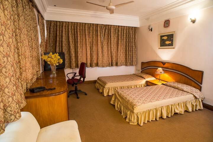 Bengal En-Suite Room Wi-Fi  South Kol