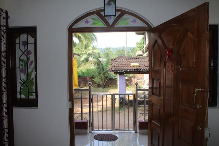 Andre Guest House (ground floor) - Goa - House