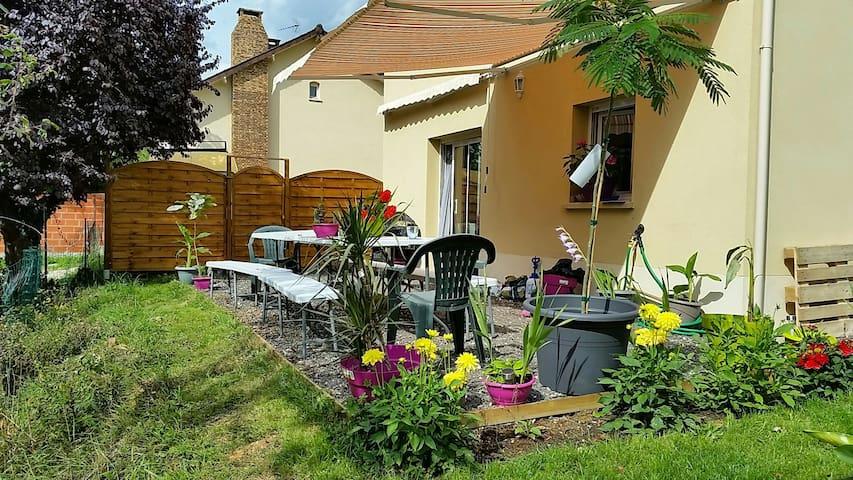 chambre chez l habitant - Saintry-sur-Seine - Rumah