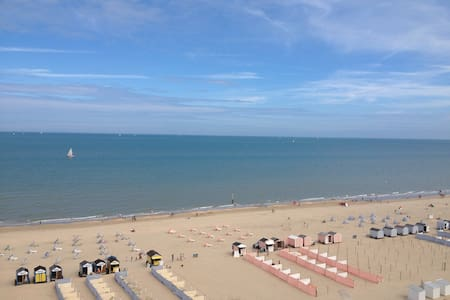 Penthouse frontal sea - and dune view ★★★★★ - De Panne