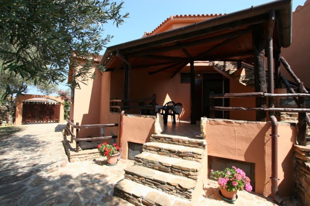 Sardegna appartamento a 150 m mare appartamenti in for Appartamento sardegna agosto