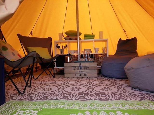Hippe Tipi tent aan de Zeeuwse kust - Scherpenisse - Khemah Tipi