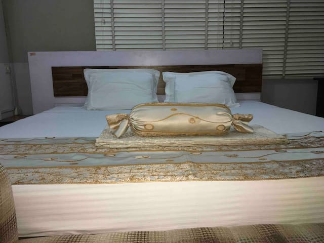 Serenity Abode is en-suite room, Royal bed (8*8)