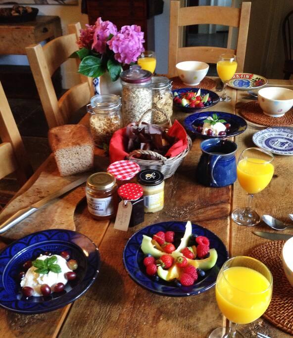 Charlie's great breakfast.