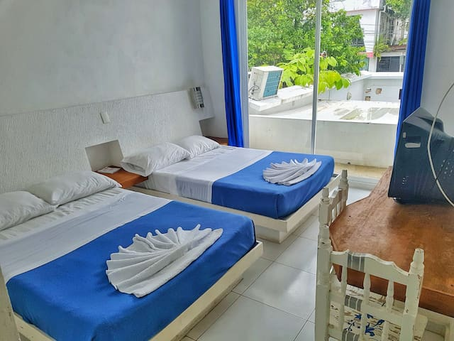 Room with 2 beds in the City Center- Casssa Vlanca