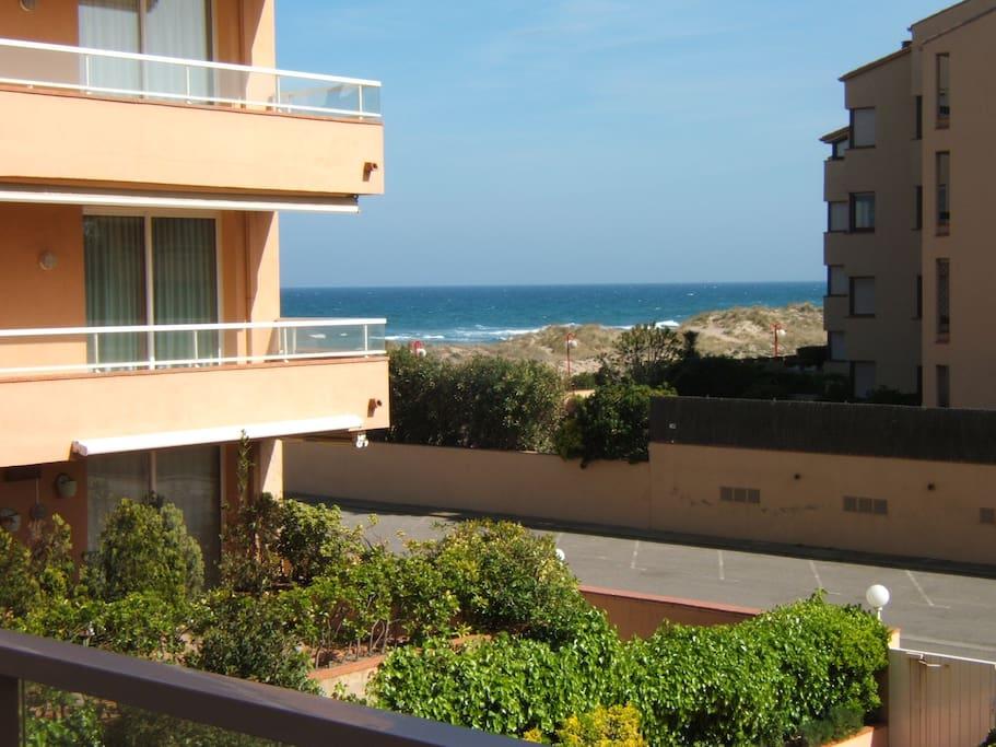 El apartamento tiene salida directa a la playa de Pals.