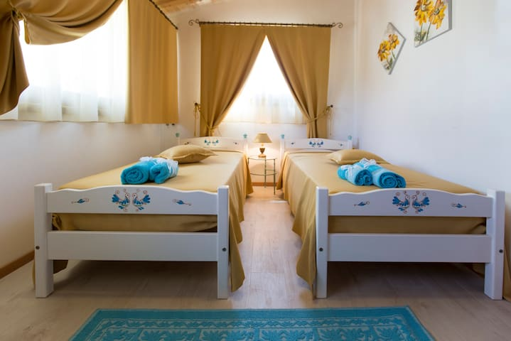 ITTIRI B&B in collina 15' Dal Mare di ALGHERO - Ittiri - Bed & Breakfast