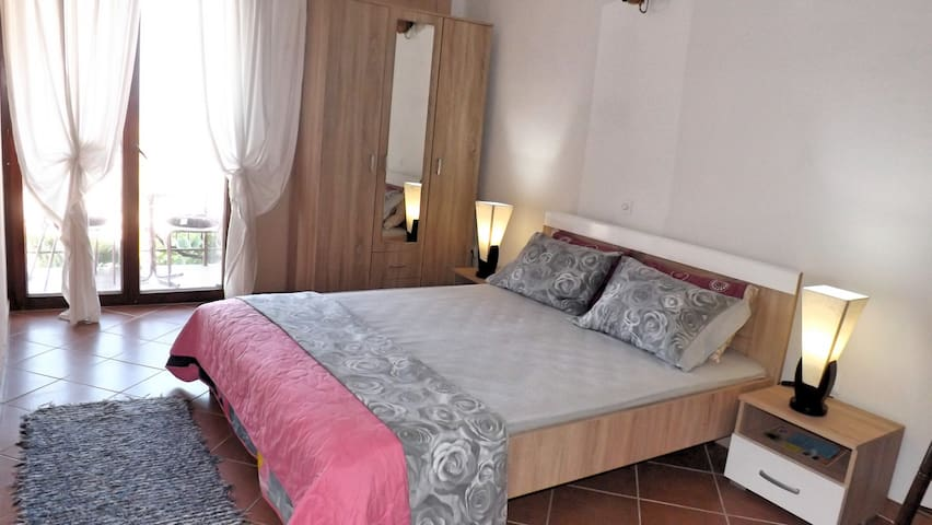 ANCHOR  Guest House - Улцинь - Bed & Breakfast