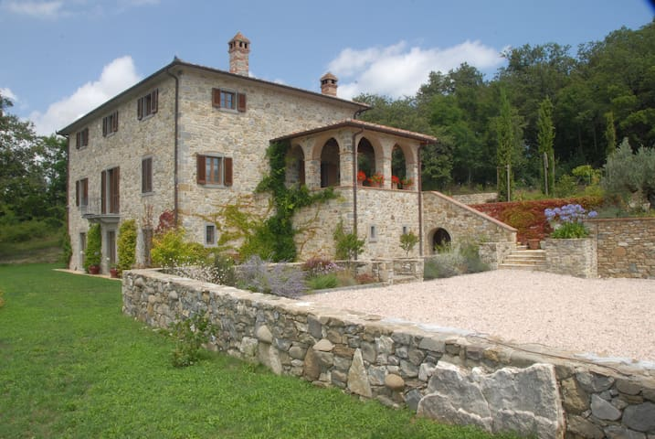 Architect designed Tuscan retreat - Caprese Michelangelo - Villa