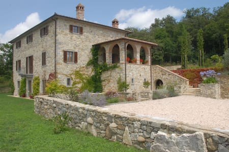 Architect designed Tuscan retreat - Caprese Michelangelo - Casa de camp