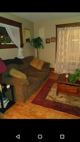 #4D LF. Large Home/attic /washer/wifi/cable room.