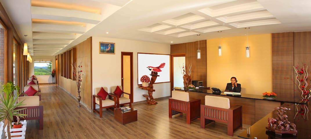 Red Sparrow Hotels and Resorts - Munnar - Wikt i opierunek