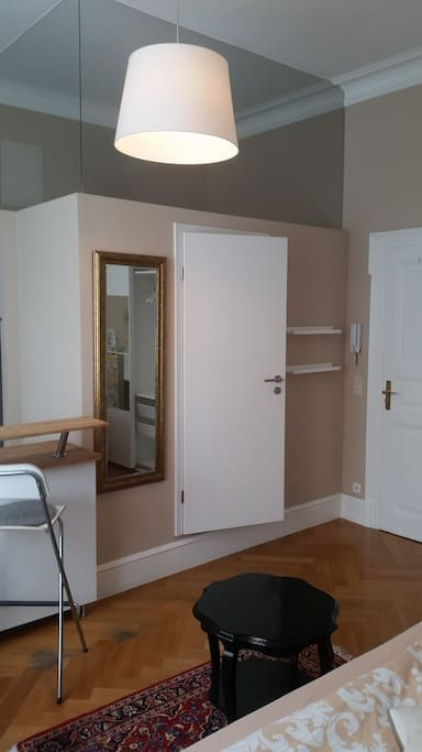 vinnie 39 s city apartment 11 apartments for rent in stuttgart baden w rttemberg germany. Black Bedroom Furniture Sets. Home Design Ideas