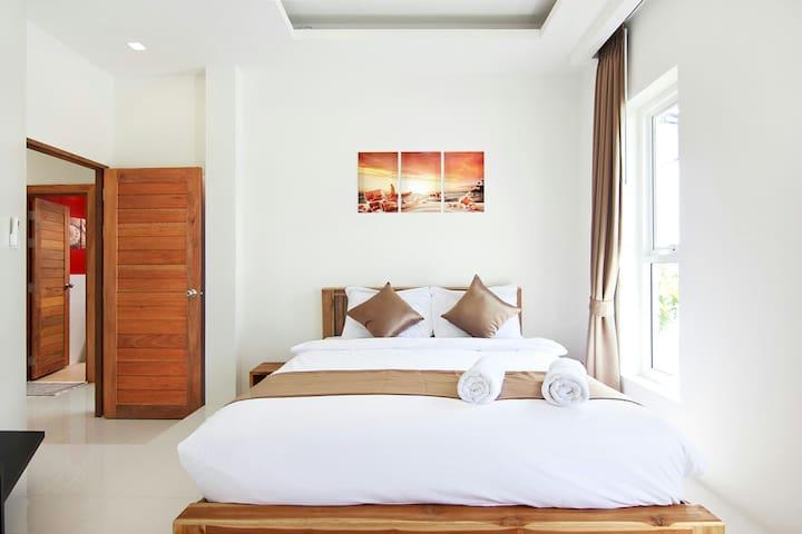 bedroom #2 with en-suite bathroom