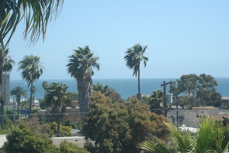 Water View Studio in Pacific Beach! - サンディエゴ - アパート