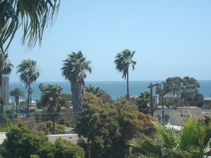 Water View Studio in Pacific Beach!