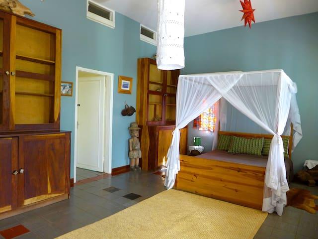 Tall Trees & Turacos - Dbl Ensuite - Kampala - Haus