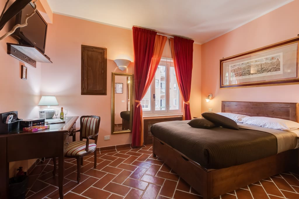 Lillihouse fellini room chambres d 39 h tes louer for Chambre hote design rome