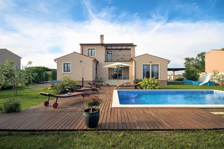 Modern Villa NaNa, pool, Istra-Pula