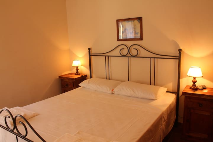 Double room in a green paradise - Orbetello - Bed & Breakfast