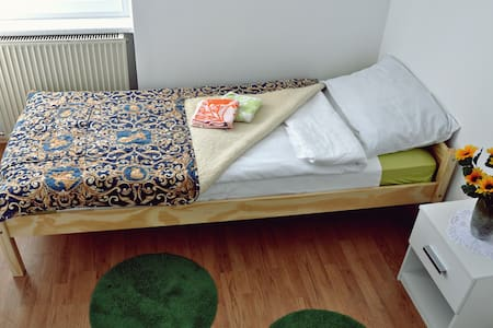 Room 4 (single room with common bathroom) - Žirovnica