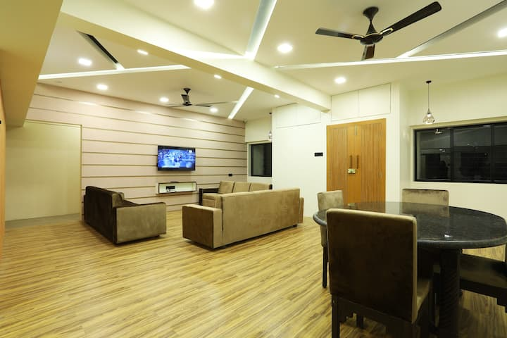 Private room near TaTa hospital dadar and station