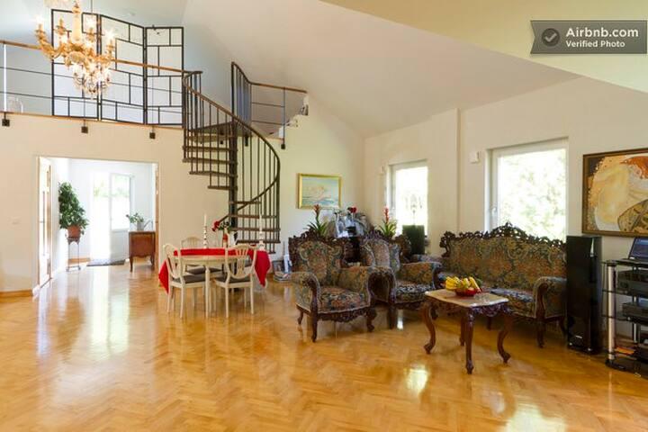 Luxurious room in cozyMalmö Villa - Malmø - Hus