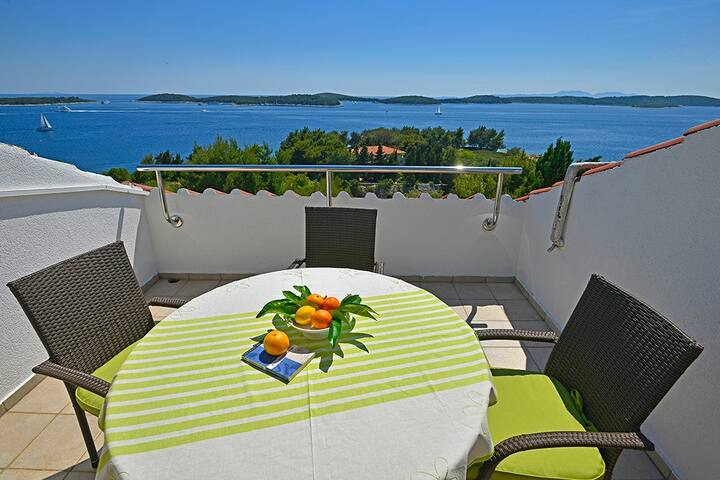 Open View Apartment, First Row From The Sea