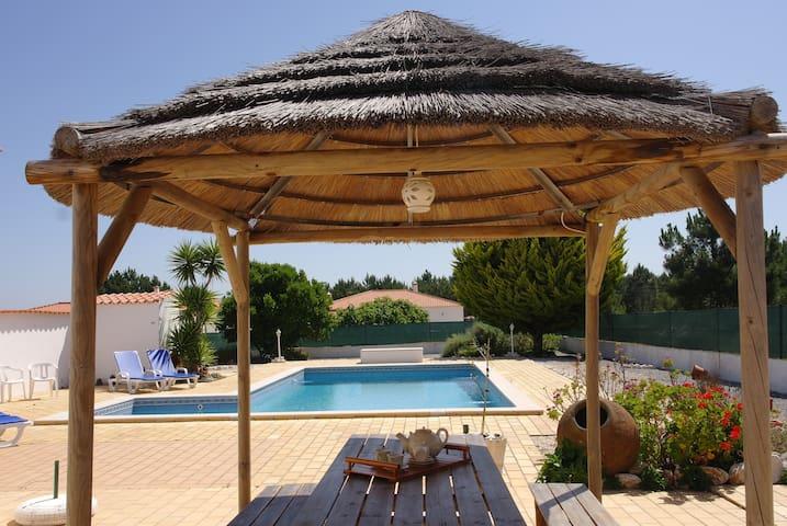 Villa with pool and great garden. - Aljezur - Villa