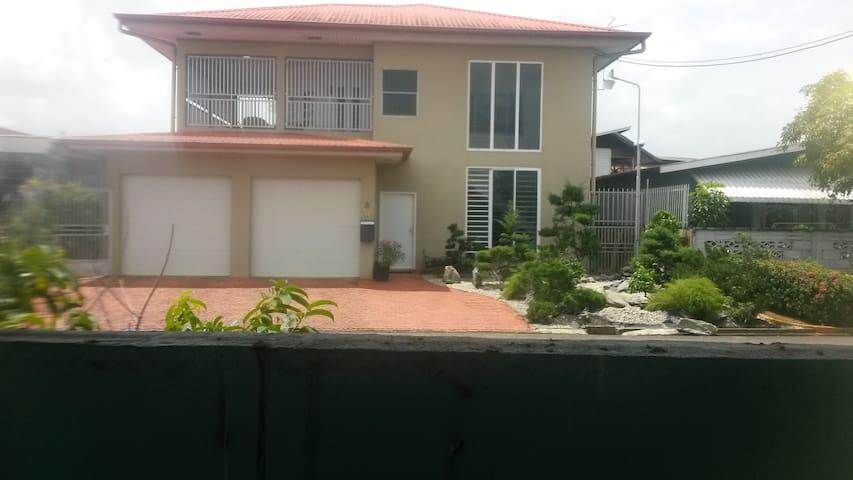 Modern,very neat house, 1st floor at Paramaribo-N