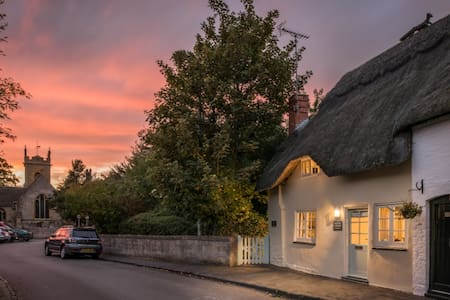 Old Fox Cottage, Bretforton, Cotswold