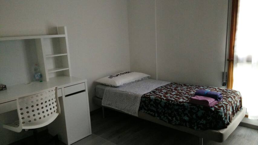 Super Private Room in a Strategic Location - Padova - Apartment