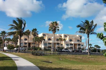 Spacious Oceanfront Complex  Condo