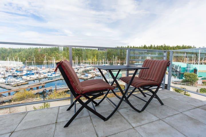 Sub-Penthouse Oceanfront Suite - SPECTACULAR Views