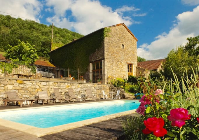 Converted barn in stunning setting - Ambeyrac - Hus