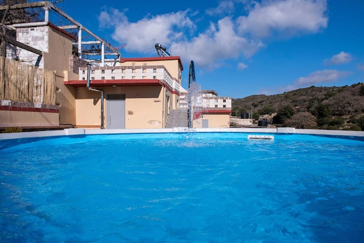 Villa Thermal Waters, 3 BD, small round pool