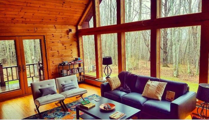 Secret Catskill Cabin: Spacious House w/Mtn Views
