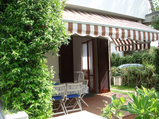 Relax Cinquale Forte dei Marmi Apuane - Capanne-Prato-Cinquale - Radhus
