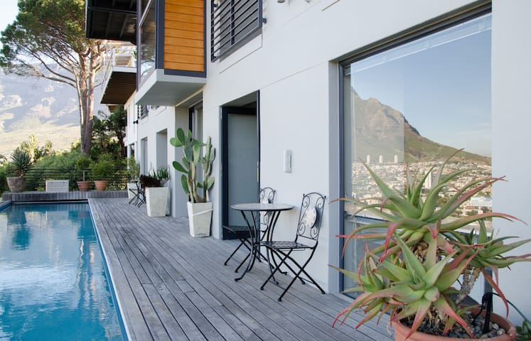Stylish Studio N High Above Town - Cape Town - Leilighet