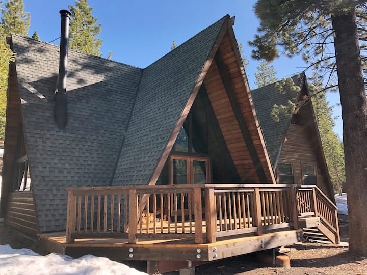"""Classic Tahoe """"Double A"""" Frame Cabin"""