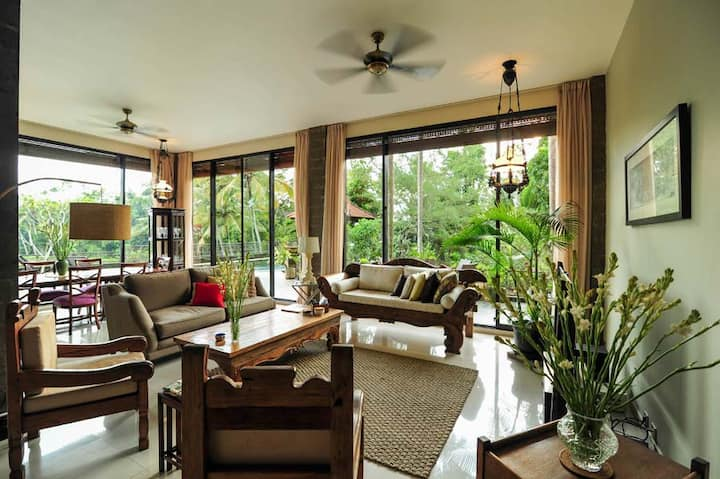 Ubud's 3BR LUXURY villa w/ countryside ambience