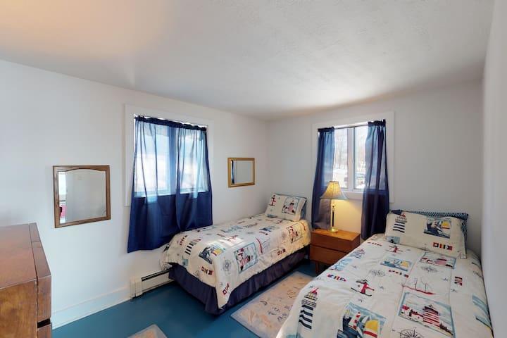 2 Singles Bedroom #3