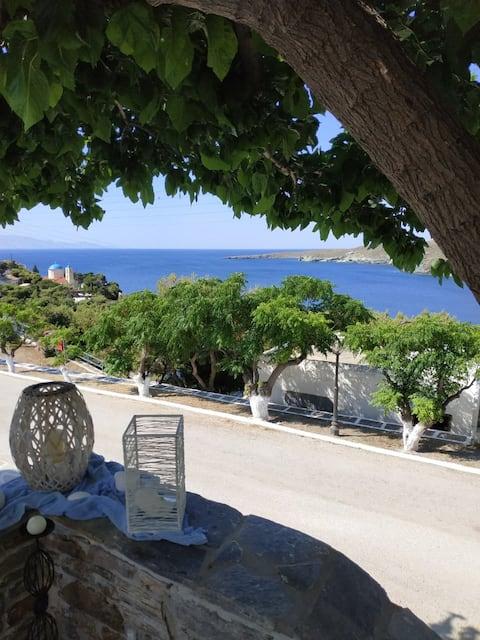 Kanala Kythnos, Σπίτι με θέα στο Αιγαίο