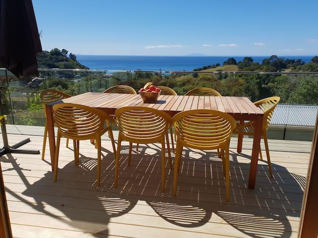 Stylish getaway with stunning views in Onetangi