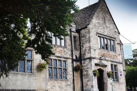 Stay at a beautiful 18th century Cotswold Inn - Amberley - Inap sarapan