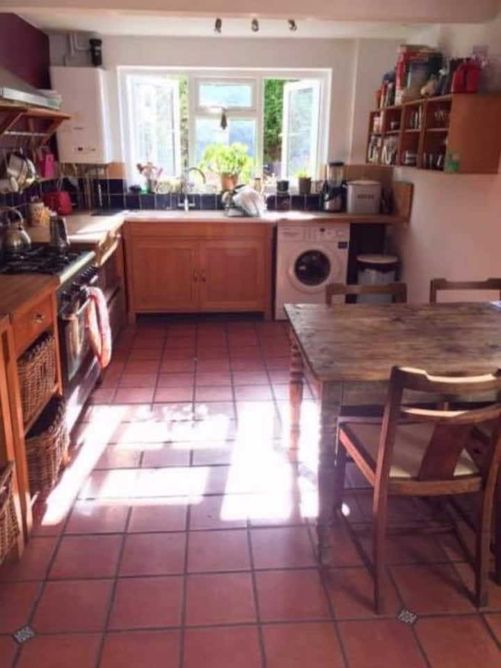 Comfortable and quiet room in vibrant East London