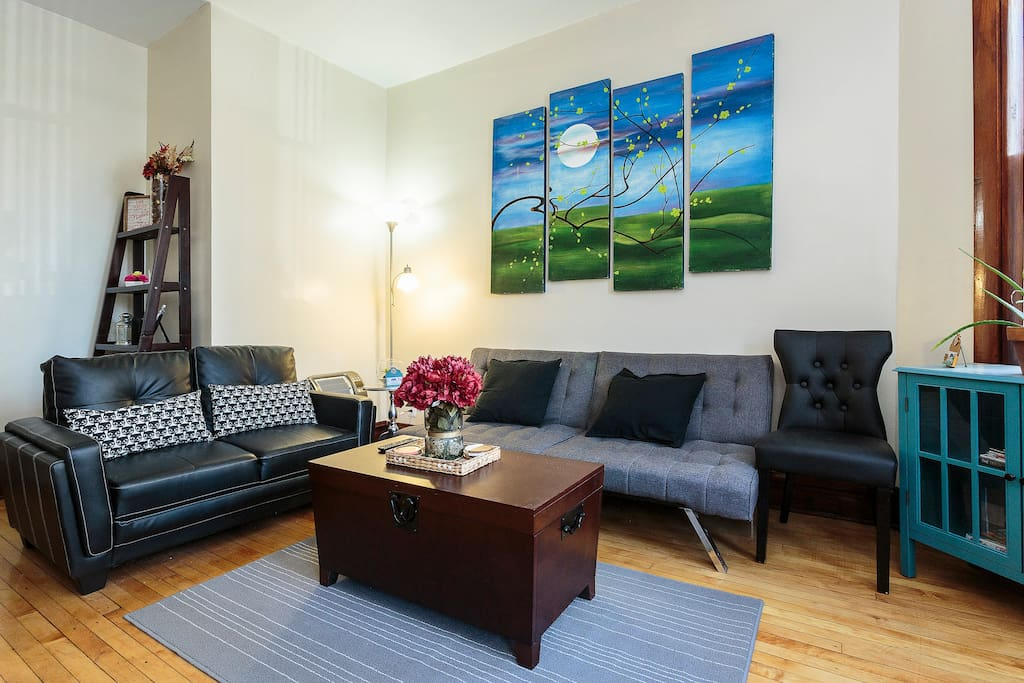 2 Bedroom Apt Free Parking 2 Blocks From Train Apartments For Rent In Chi