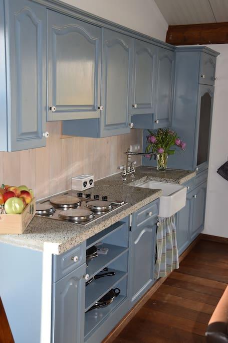 Complete en gezellige keuken