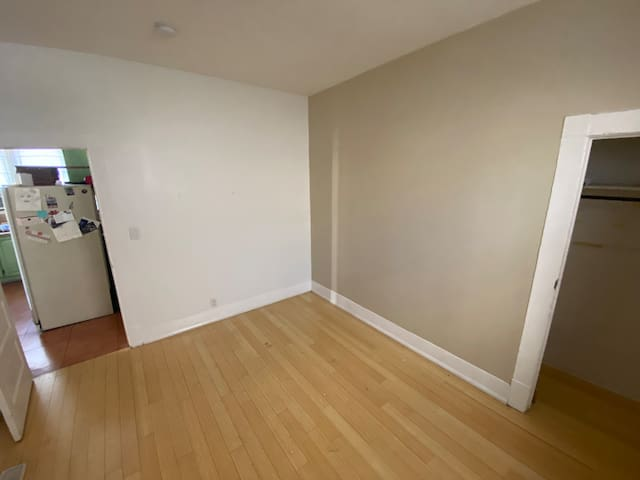 Spacious beautiful room in the heart of Hollywood